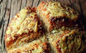 irish-farmhouse-cheese-and-oat-soda-bread2