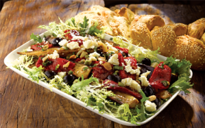 Organic-salad-with-roasted-vegetables