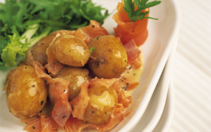 salad-of-new-potatoes-and-smoked-salmon-with-a-dill-and-mustard-dressing2