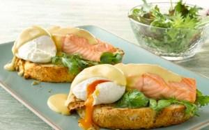 Eggs-Benedict-with-Fresh-Salmon