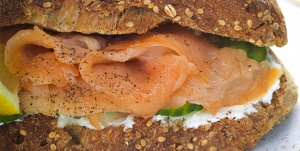 Sandwich_Salmon_579x292