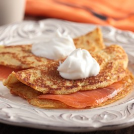 Pancake-with-salmon-and-sour-cream-266x266