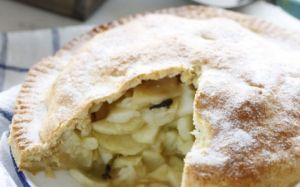 Apple-Tart-with-Custard