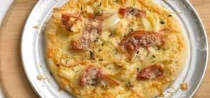 bruschetta_pizza_with_kerrygold_dubliner_cheese