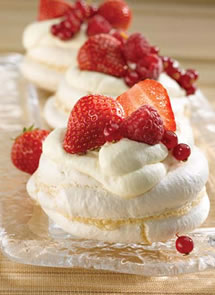 meringues_with_summer_fruits2