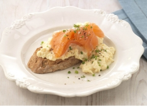 scrambled-egg-smoked-salmon-sml