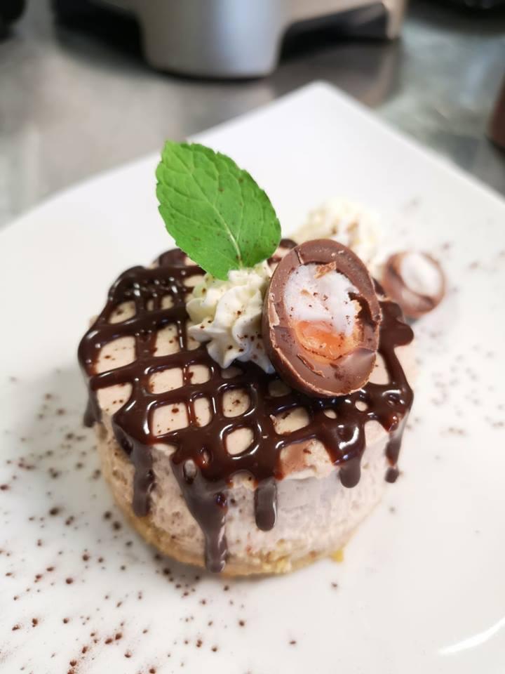 claudios creme egg cheesecake